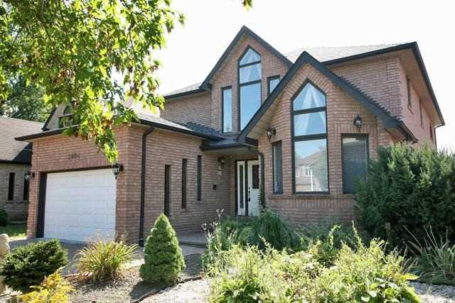 Detached at 2604 Old Carriage Rd, Mississauga, Ontario. Image 1