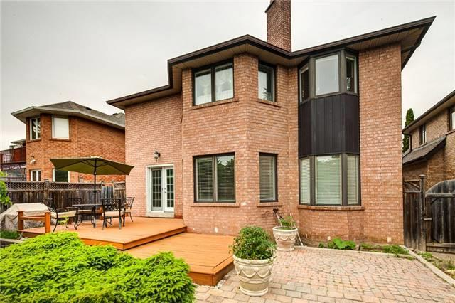 Detached at 2604 Old Carriage Rd, Mississauga, Ontario. Image 11