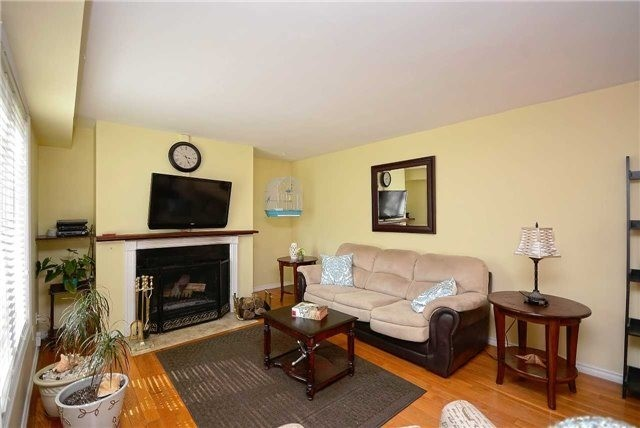 Semi-detached at 1407 Nesdale Crt, Mississauga, Ontario. Image 17
