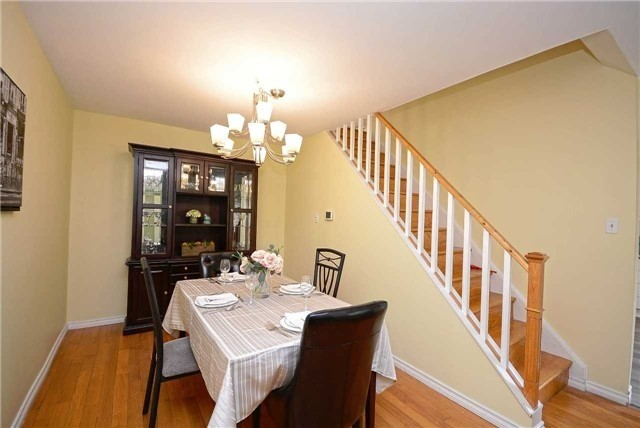 Semi-detached at 1407 Nesdale Crt, Mississauga, Ontario. Image 18