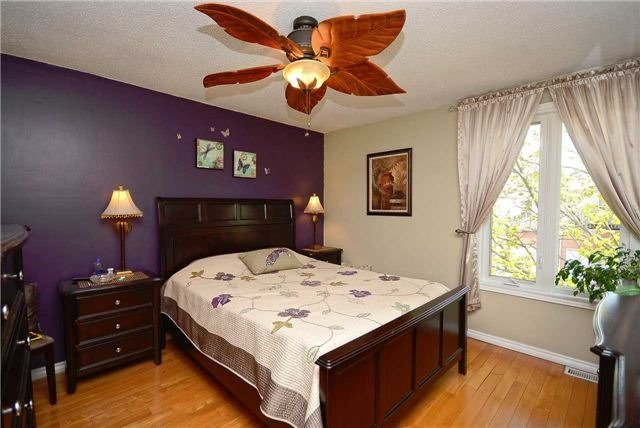 Semi-detached at 1407 Nesdale Crt, Mississauga, Ontario. Image 19