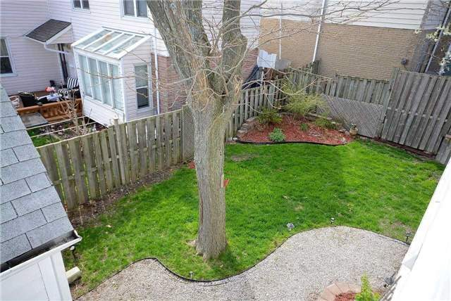 Semi-detached at 1407 Nesdale Crt, Mississauga, Ontario. Image 7