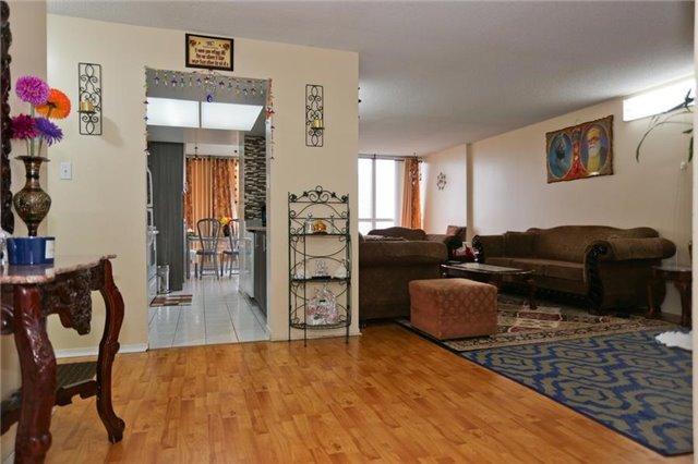 Condo Apartment at 5 Rowntree Rd, Unit 812, Toronto, Ontario. Image 9