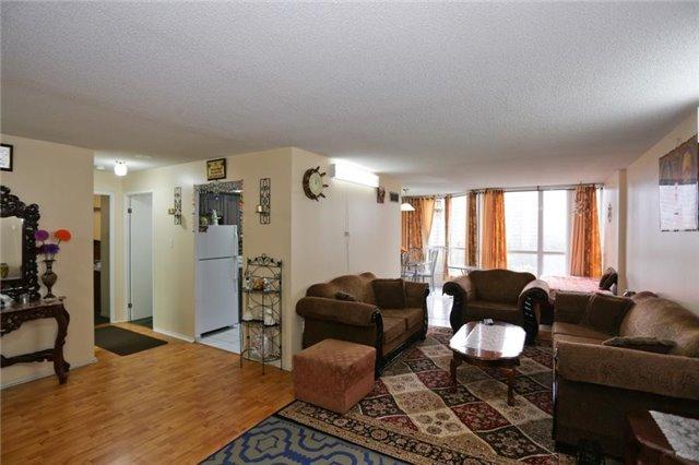 Condo Apartment at 5 Rowntree Rd, Unit 812, Toronto, Ontario. Image 11