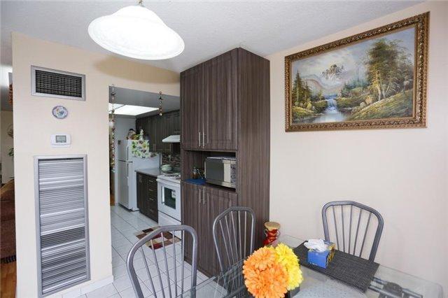 Condo Apartment at 5 Rowntree Rd, Unit 812, Toronto, Ontario. Image 13