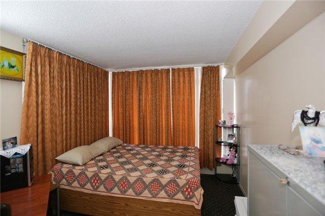Condo Apartment at 5 Rowntree Rd, Unit 812, Toronto, Ontario. Image 15