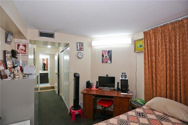 Condo Apartment at 5 Rowntree Rd, Unit 812, Toronto, Ontario. Image 16