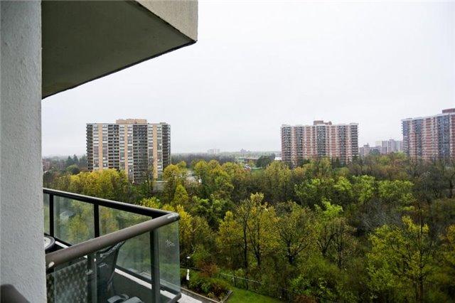 Condo Apartment at 5 Rowntree Rd, Unit 812, Toronto, Ontario. Image 5