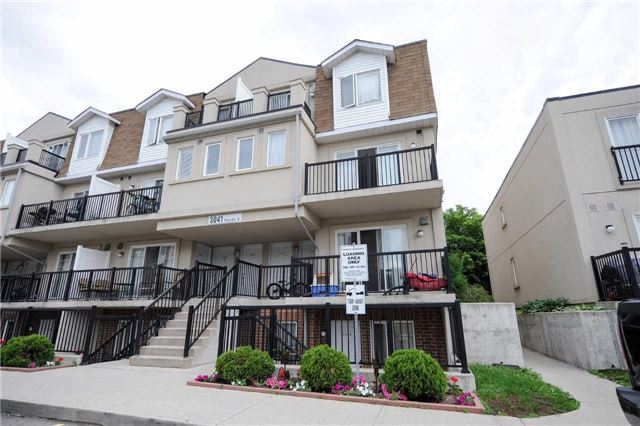 Condo Townhouse at 3041 Finch  Ave W, Unit 2072, Toronto, Ontario. Image 1