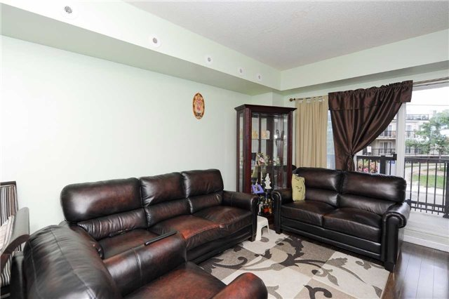Condo Townhouse at 3041 Finch  Ave W, Unit 2072, Toronto, Ontario. Image 10