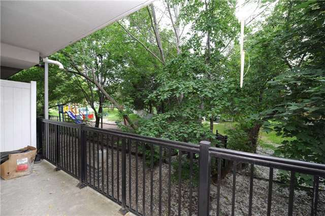 Condo Townhouse at 3041 Finch  Ave W, Unit 2072, Toronto, Ontario. Image 5