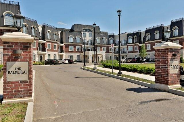Condo Apartment at 2300 Upper Middle Rd W, Unit 212, Oakville, Ontario. Image 1
