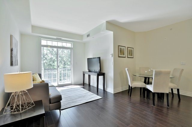 Condo Apartment at 2300 Upper Middle Rd W, Unit 212, Oakville, Ontario. Image 15