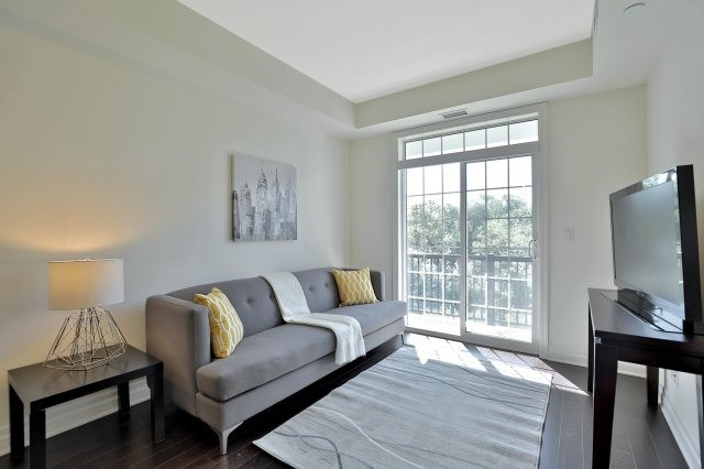 Condo Apartment at 2300 Upper Middle Rd W, Unit 212, Oakville, Ontario. Image 16