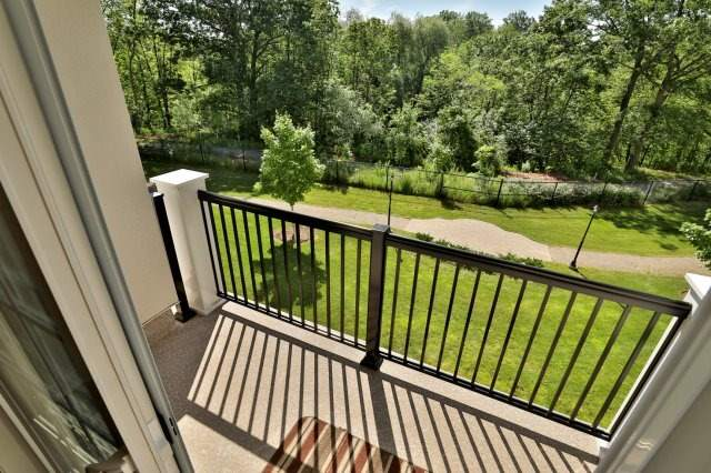 Condo Apartment at 2300 Upper Middle Rd W, Unit 212, Oakville, Ontario. Image 17