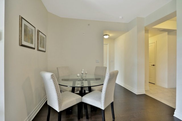 Condo Apartment at 2300 Upper Middle Rd W, Unit 212, Oakville, Ontario. Image 19