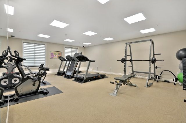 Condo Apartment at 2300 Upper Middle Rd W, Unit 212, Oakville, Ontario. Image 11