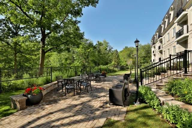 Condo Apartment at 2300 Upper Middle Rd W, Unit 212, Oakville, Ontario. Image 13