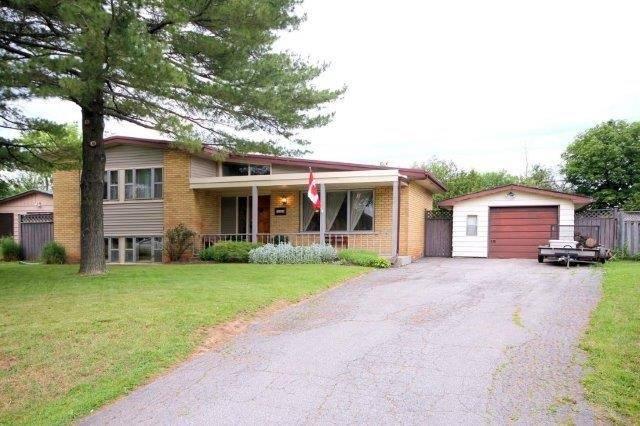 Detached at 588 Weynway Crt, Oakville, Ontario. Image 12
