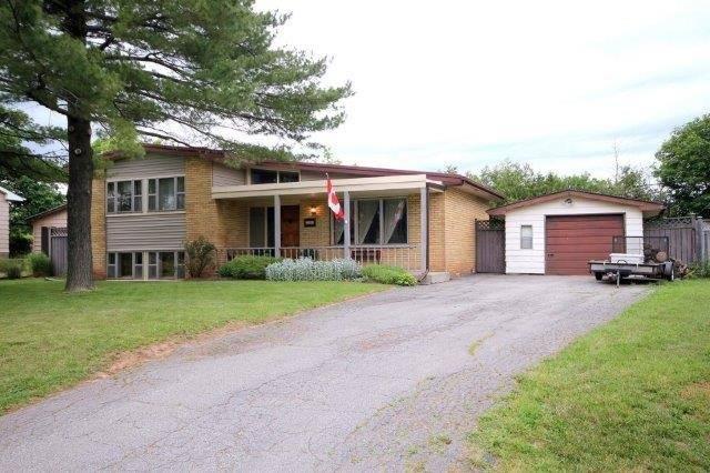 Detached at 588 Weynway Crt, Oakville, Ontario. Image 14