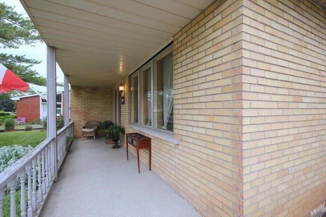 Detached at 588 Weynway Crt, Oakville, Ontario. Image 15