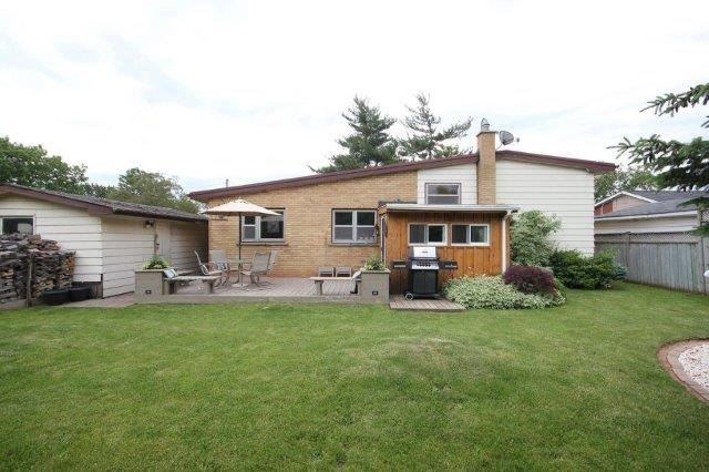 Detached at 588 Weynway Crt, Oakville, Ontario. Image 11