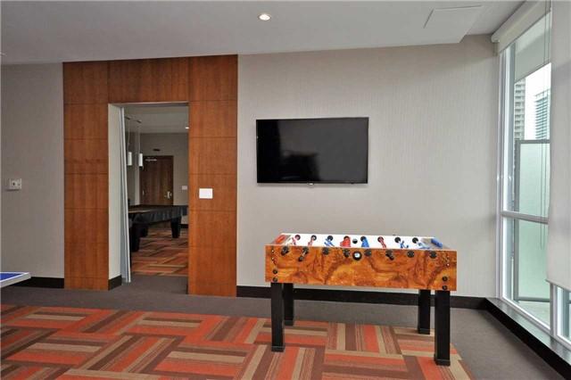 Condo Apartment at 4065 Brickstone Mews, Unit 1405, Mississauga, Ontario. Image 12
