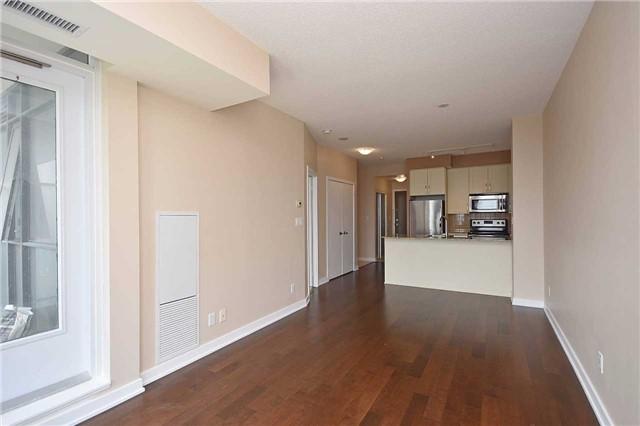 Condo Apartment at 4065 Brickstone Mews, Unit 1405, Mississauga, Ontario. Image 5