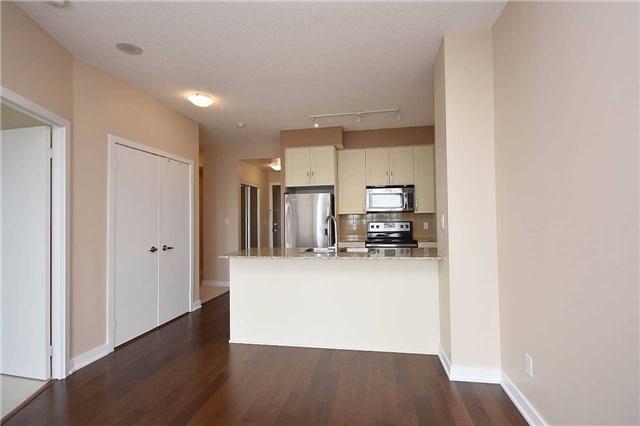 Condo Apartment at 4065 Brickstone Mews, Unit 1405, Mississauga, Ontario. Image 6