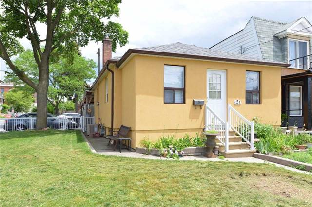 Detached at 123 Blackthorn Ave, Toronto, Ontario. Image 12