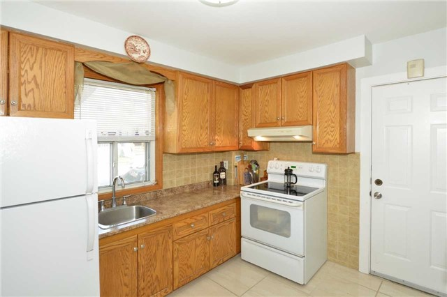 Detached at 123 Blackthorn Ave, Toronto, Ontario. Image 2