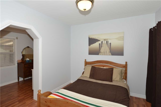 Detached at 123 Blackthorn Ave, Toronto, Ontario. Image 4