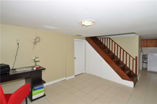 Detached at 123 Blackthorn Ave, Toronto, Ontario. Image 10