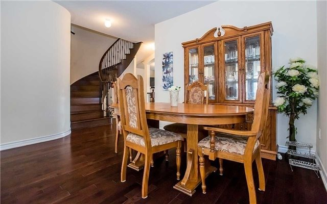 Detached at 4 Mistletoe Pl, Brampton, Ontario. Image 18