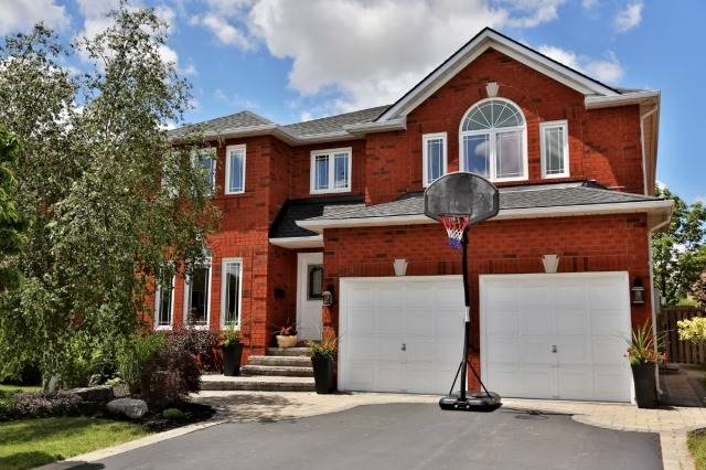 Detached at 181 Wembley Rd, Oakville, Ontario. Image 1