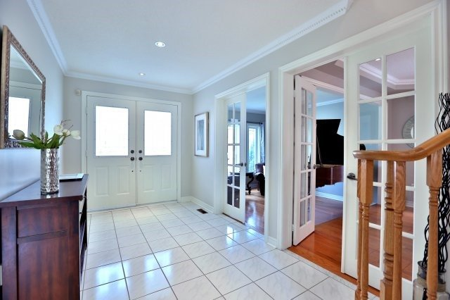 Detached at 181 Wembley Rd, Oakville, Ontario. Image 12