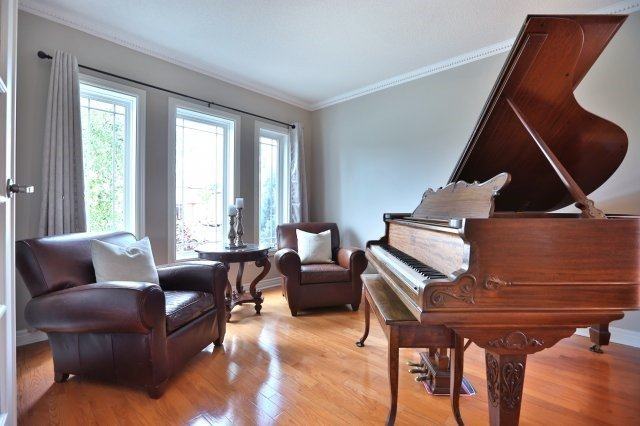 Detached at 181 Wembley Rd, Oakville, Ontario. Image 15