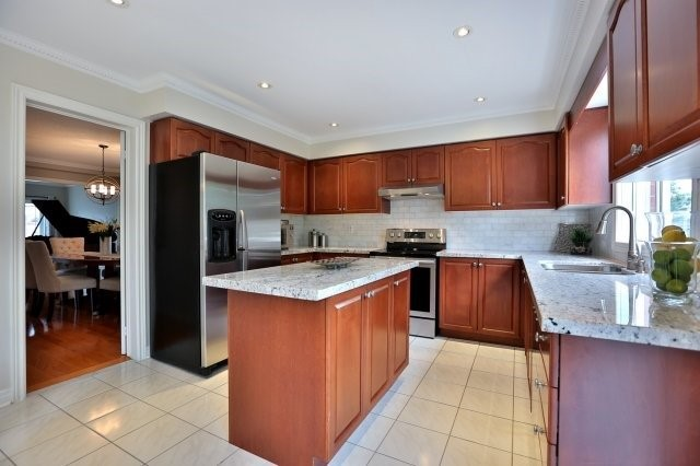 Detached at 181 Wembley Rd, Oakville, Ontario. Image 18
