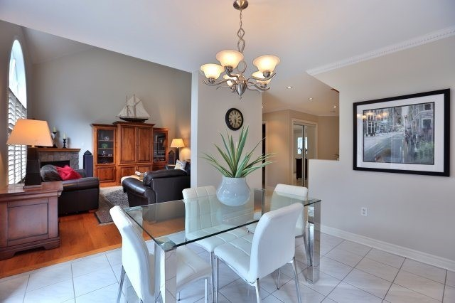 Detached at 181 Wembley Rd, Oakville, Ontario. Image 20