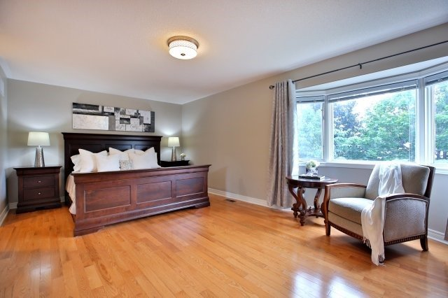 Detached at 181 Wembley Rd, Oakville, Ontario. Image 5