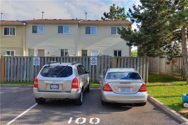 Condo Townhouse at 100 Morley Cres, Unit 100, Brampton, Ontario. Image 13