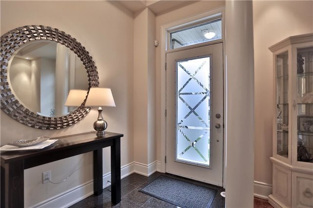 Townhouse at 216 Rebecca St, Oakville, Ontario. Image 15