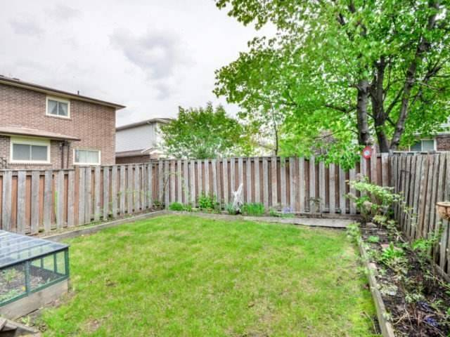 Detached at 43 Barrington Cres, Brampton, Ontario. Image 11