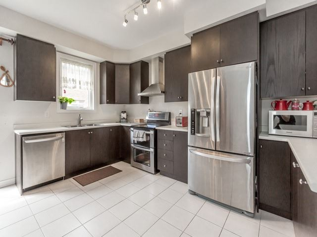 Townhouse at 115 Sea Drifter Cres, Brampton, Ontario. Image 14