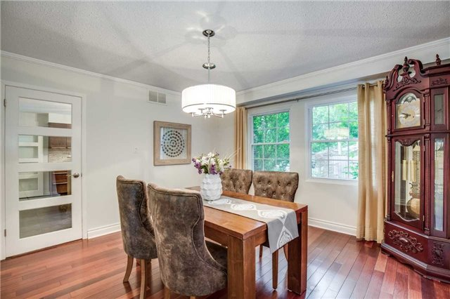 Detached at 2112 Constance Dr, Oakville, Ontario. Image 16