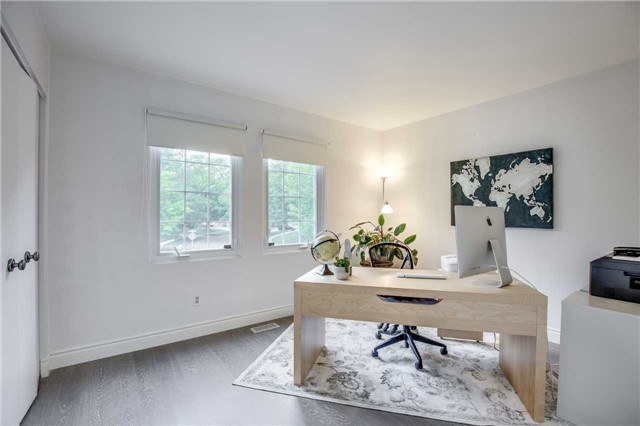 Detached at 2112 Constance Dr, Oakville, Ontario. Image 7