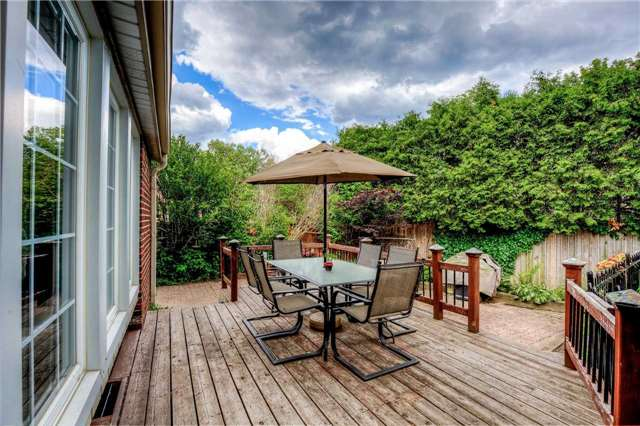Detached at 2112 Constance Dr, Oakville, Ontario. Image 11