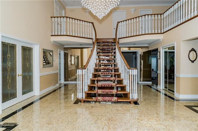 Detached at 5220 Durie Rd, Mississauga, Ontario. Image 13