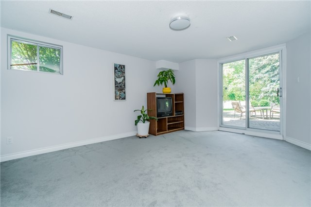 Detached at 5220 Durie Rd, Mississauga, Ontario. Image 8
