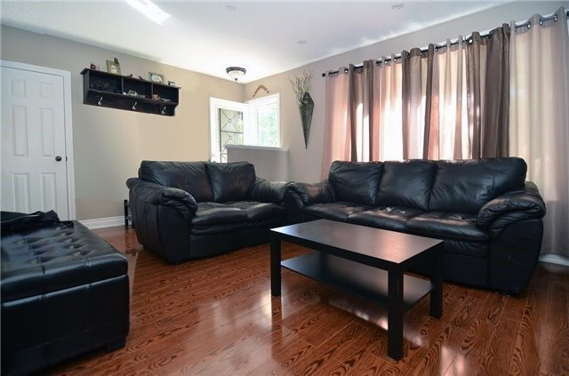 Detached at 185 Clearbrooke Circ, Toronto, Ontario. Image 16